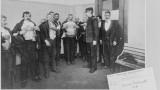 Contrôle médical d'émigrants à Ellis Island, New York