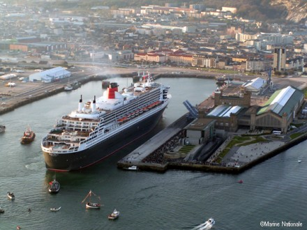 Queen Mary 2, 2004, Cherbourg
